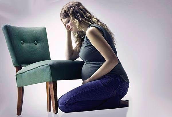 Почему беременным нельзя сидеть скрестив ноги