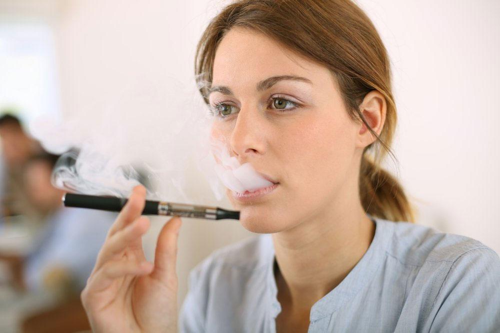 Можно ли курить электронную сигарету при беременности