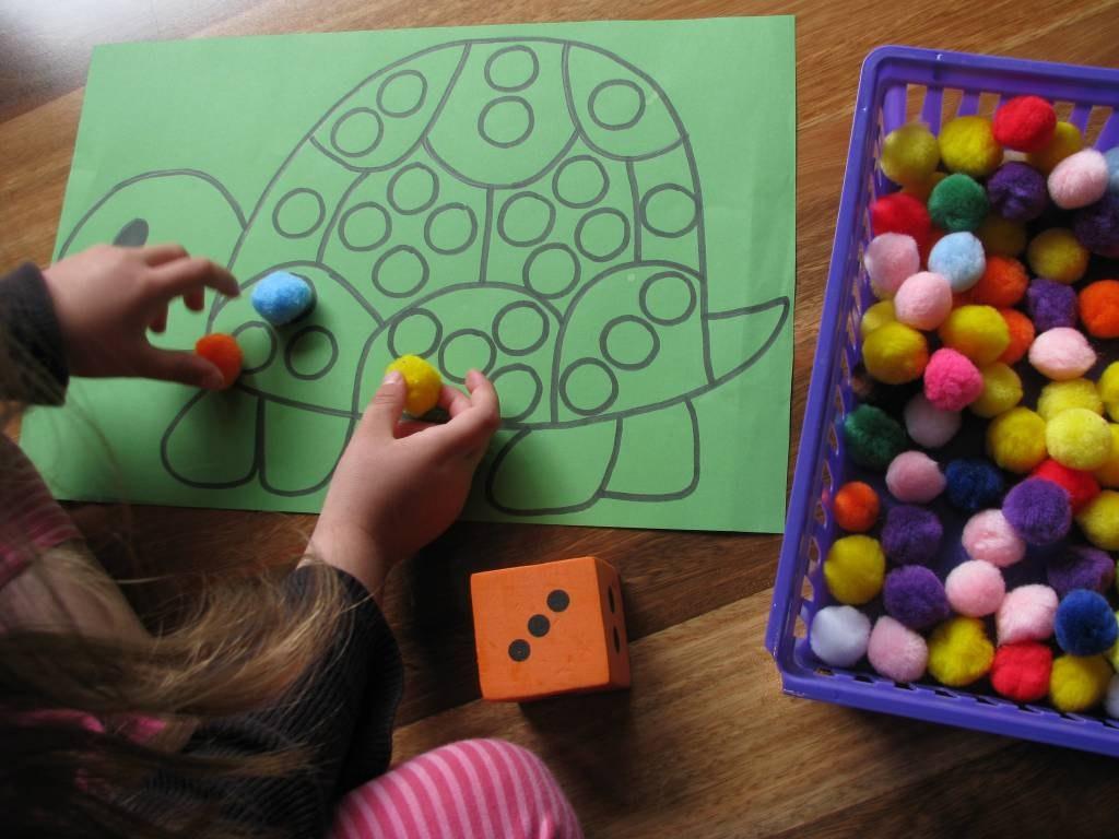 Развивающие игрушки своими руками для детей 4-5 лет фото 4