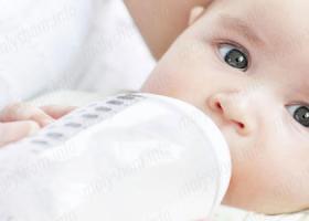 Докорм и прикорм: азы питания малышей