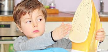 Что делать, если ребенок обжегся утюгом