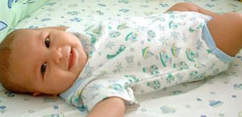 Что умеет делать ребенок в 3 месяца